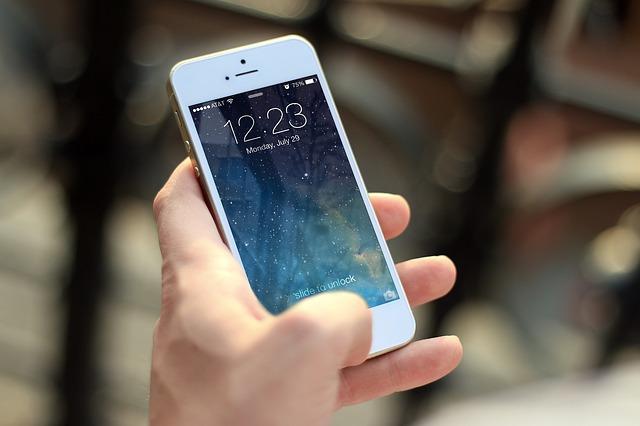 čas na mobilu