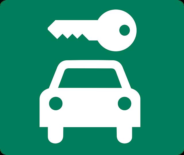 klíč nad autem