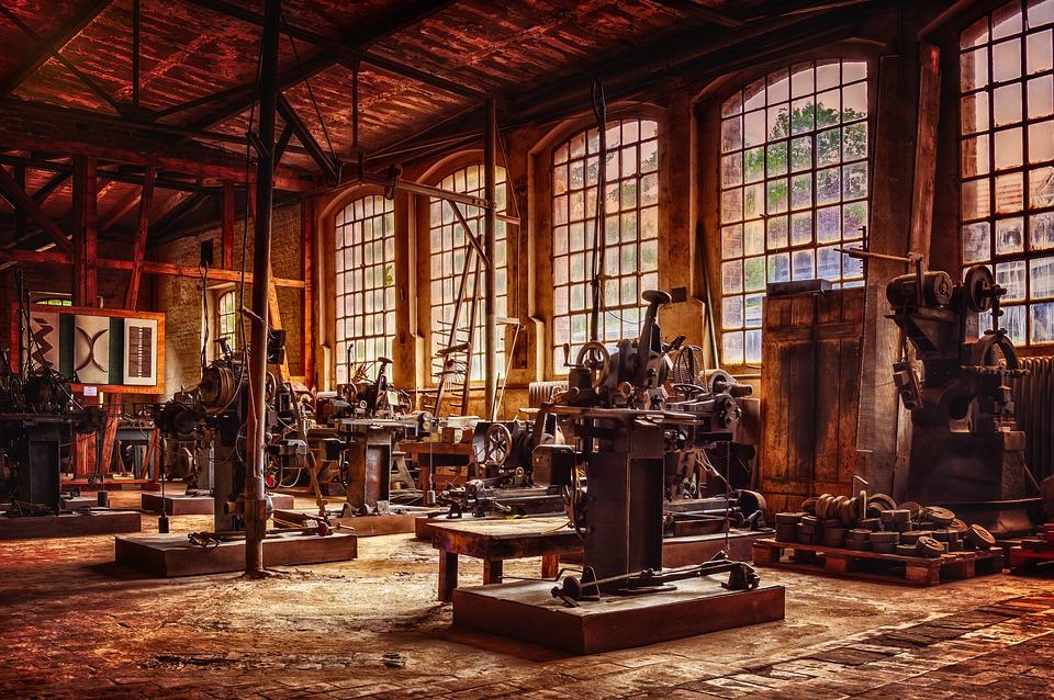 tovární vybavení