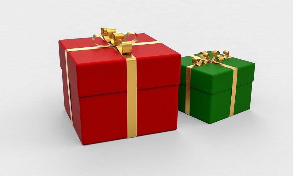 zelený a červený dárek